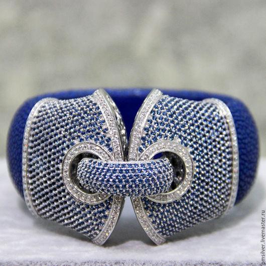 Браслеты ручной работы. Ярмарка Мастеров - ручная работа. Купить Эксклюзивный широкий браслет из кожи ската. Handmade. Синий