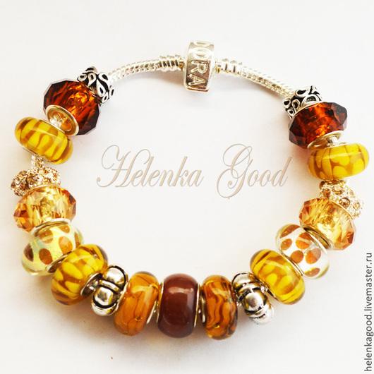 Медовый цвет, прозрачный и сладкий отражается в каждой бусине этого стильного браслета!