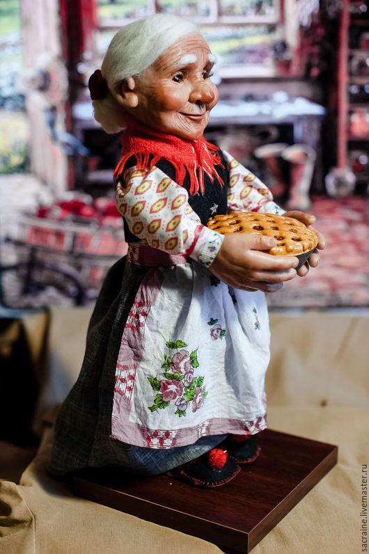 Коллекционные куклы ручной работы. Ярмарка Мастеров - ручная работа. Купить Бабушка Агнесса с пирогом. Handmade. Комбинированный, кукла из пластика
