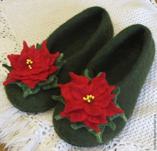 Обувь ручной работы. Ярмарка Мастеров - ручная работа. Купить тапочки Пуансеттия. Handmade. Тёмно-зелёный, подарок