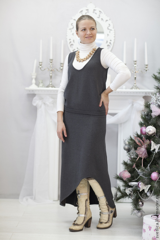 Костюм женский жилет и юбка