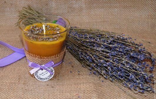 """Свечи ручной работы. Ярмарка Мастеров - ручная работа. Купить Восковая свеча """"Аромат лаванды"""" с сухоцветом лаванды. Handmade."""