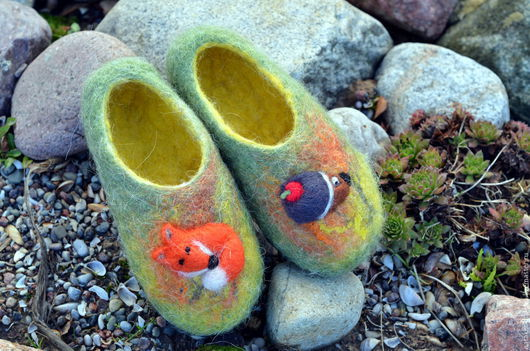 Обувь ручной работы. Ярмарка Мастеров - ручная работа. Купить детские тапочки Сказочный лес. Handmade. Зеленый, ежик из шерсти