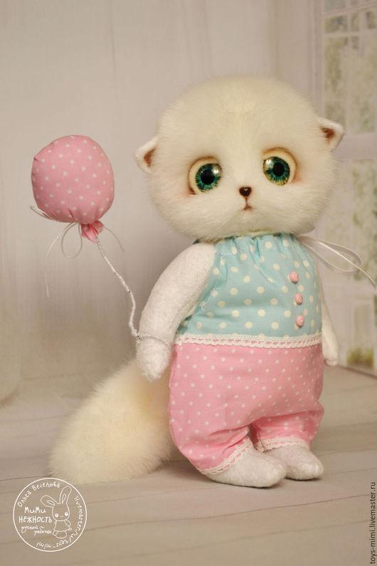 Игрушки животные, ручной работы. Ярмарка Мастеров - ручная работа. Купить Котёнок Мур с воздушным шариком игрушка. Handmade.