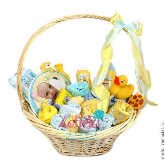 Подарки для новорожденных, ручной работы. Ярмарка Мастеров - ручная работа. Купить Корзина с детской косметикой Подарок для малыша Для новорожденного. Handmade.