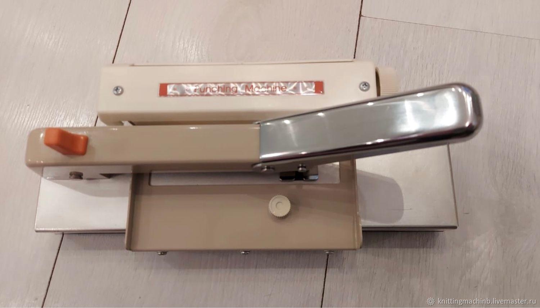 Вязальная машина. Настольный перфоратор Silver PM 10, Инструменты для вязания, Москва,  Фото №1