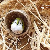 Украшения ручной работы. Ярмарка Мастеров - ручная работа Брошь Совушка в гнезде (В траве). Handmade.