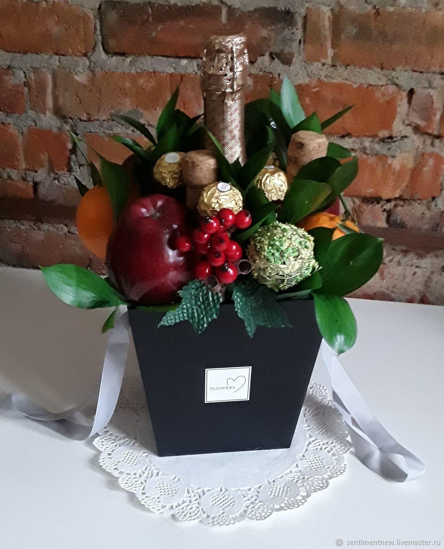 Цветы и шампанское в коробке