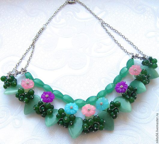 Ожерелье МАРГАРИТКИ из нефрита, жадеита и оникса