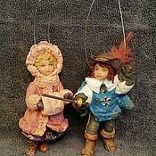 Мягкие игрушки ручной работы. Ярмарка Мастеров - ручная работа Барышня и Мушкетер, елочные игрушки из ваты. Handmade.