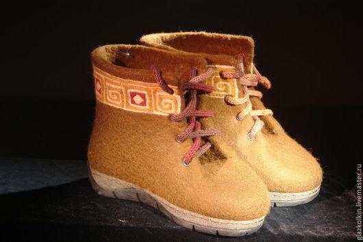 """Обувь ручной работы. Ярмарка Мастеров - ручная работа. Купить Ботинки """"Этно"""". Handmade. Коричневый, обувь из войлока, ботинки зимние"""