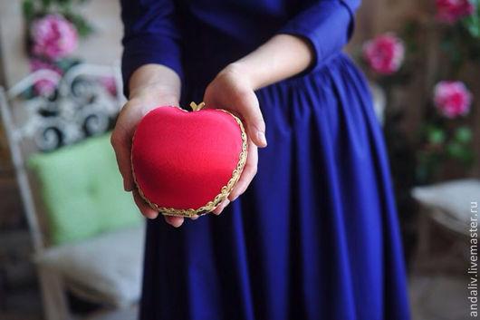 Женские сумки ручной работы. Ярмарка Мастеров - ручная работа. Купить Клатч яблочко наливное. Handmade. Клатч яблочко, море