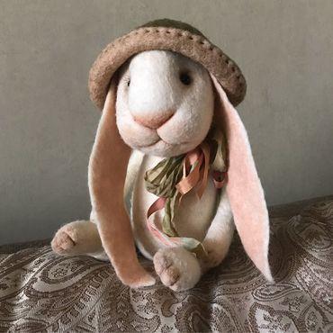 Куклы и игрушки ручной работы. Ярмарка Мастеров - ручная работа Заяц валяный подвижный 30 см. Handmade.