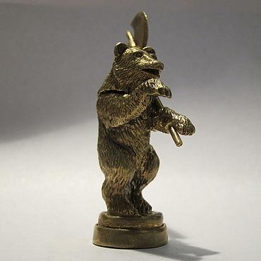 """Сувениры и подарки ручной работы. Ярмарка Мастеров - ручная работа """"Медведь с секирой"""" - флешка. Handmade."""