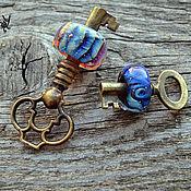 Украшения ручной работы. Ярмарка Мастеров - ручная работа кулон  старинный ключ с бусиной бохо-кулон лэмпворк. Handmade.
