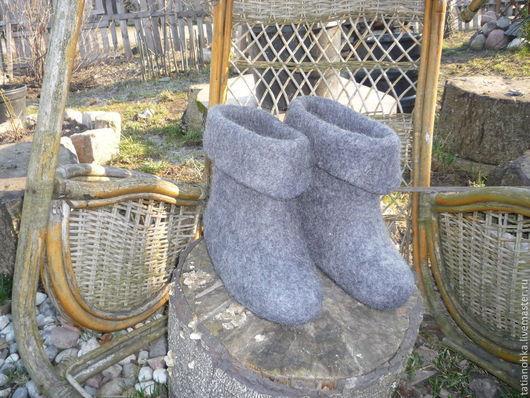 Обувь ручной работы. Ярмарка Мастеров - ручная работа. Купить Тапки-валенки мужские Скороходы 2. Handmade. Темно-серый