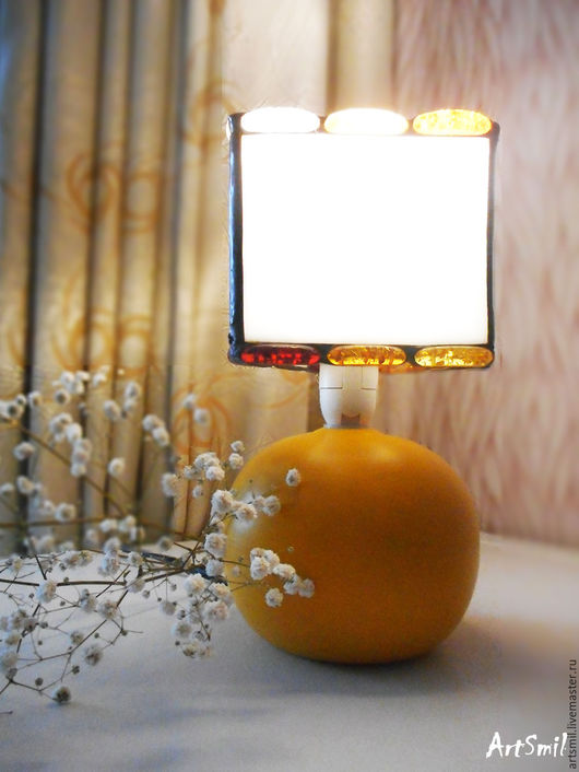 Озарите свой дом солнечным светом с этим прекрасным светильником, созданным с душой и любовью.