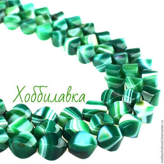 Агат натуральный зеленый с белыми полосками  размер 14x 10 мм
