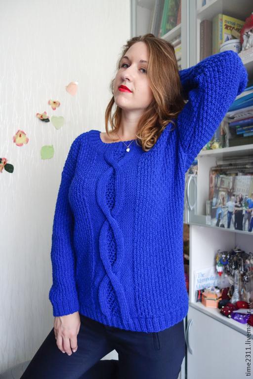 Авторская работа.  Стильный свитер для динамичной леди. Теплый, мягкий, яркий, запоминающийся- все это о нем.