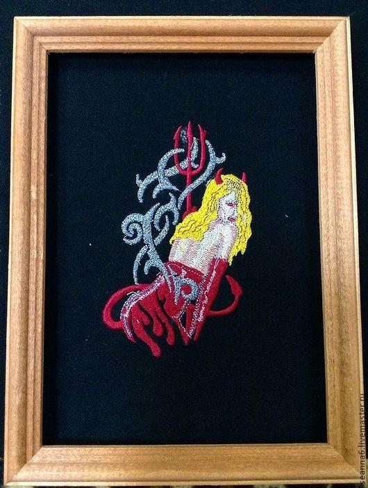 """Фантазийные сюжеты ручной работы. Ярмарка Мастеров - ручная работа. Купить Вышитая картинка, картина, панно """"Дьявол носит PRADA"""". Handmade."""