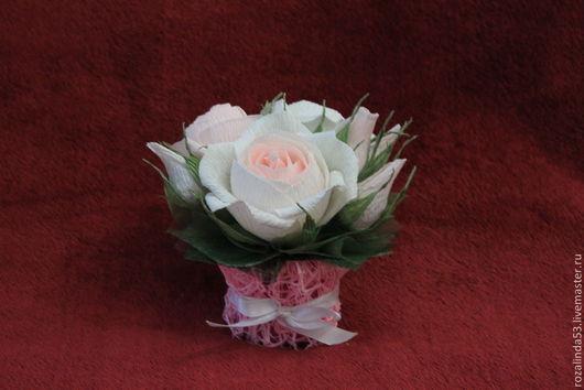 Букеты ручной работы. Ярмарка Мастеров - ручная работа. Купить Букетик из английских роз- мини. Handmade. Шоколадные конфеты, розы