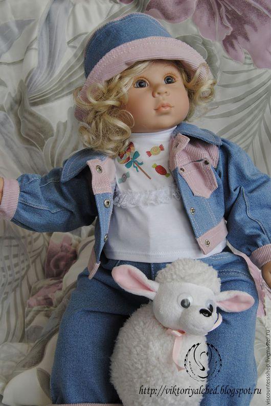 """Одежда для кукол ручной работы. Ярмарка Мастеров - ручная работа. Купить Джинсовый костюмчик """"Карамельки"""".. Handmade. Костюм для куклы, ленты"""