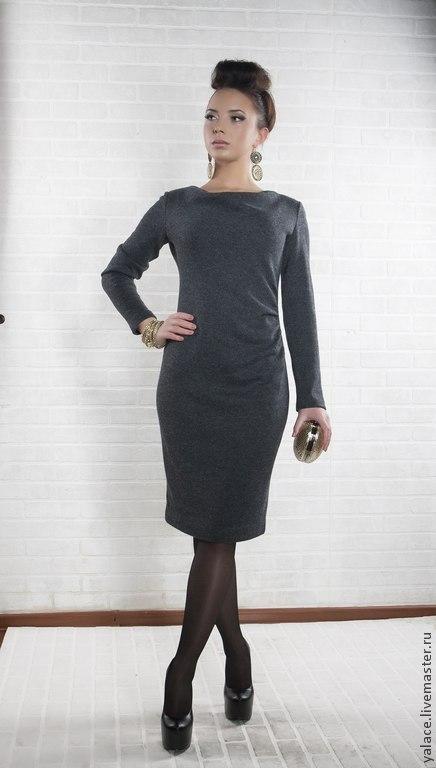 Платье с изящной драпировкой по линии талии скроет маленькие недостатки фигуры. Модель выполнена из трикотажа смесовой ткани. Платье,как основа и достаточно универсальное.