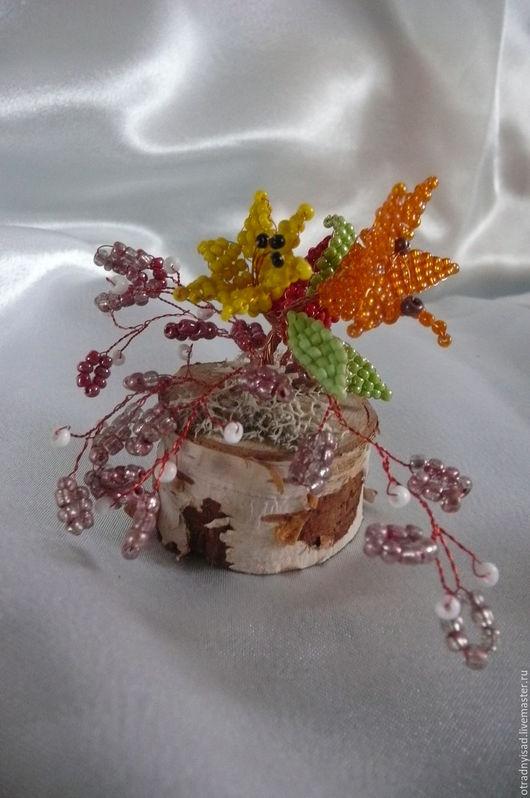 Персональные подарки ручной работы. Ярмарка Мастеров - ручная работа. Купить Цветы из бисера на березовой чурочке. Handmade. цветы