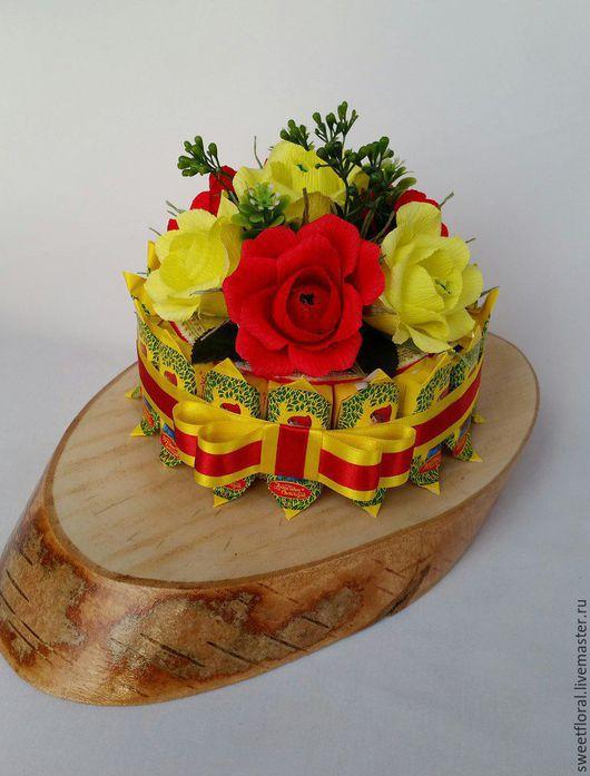 Букеты ручной работы. Ярмарка Мастеров - ручная работа. Купить Торт из конфет к чаю,  сладкий подарок. Handmade. Разноцветный