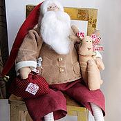 Подарки к праздникам ручной работы. Ярмарка Мастеров - ручная работа Тильда Санта с оленем Дед мороз. Handmade.