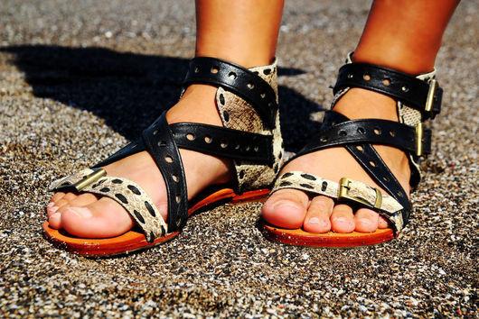 """Обувь ручной работы. Ярмарка Мастеров - ручная работа. Купить Сандалии """"Амазонка"""" (кожа змеи и ягненка). Handmade. Черный, бежевый"""