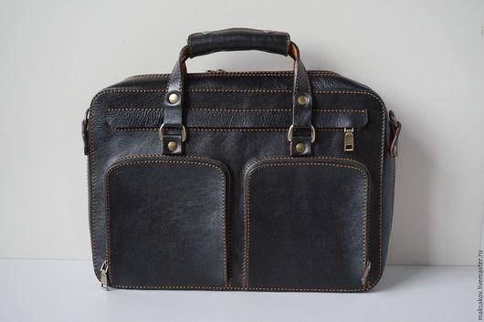 Мужские сумки ручной работы. Ярмарка Мастеров - ручная работа. Купить Мужская сумка из толстой, мягкой кожи. Handmade. Черный