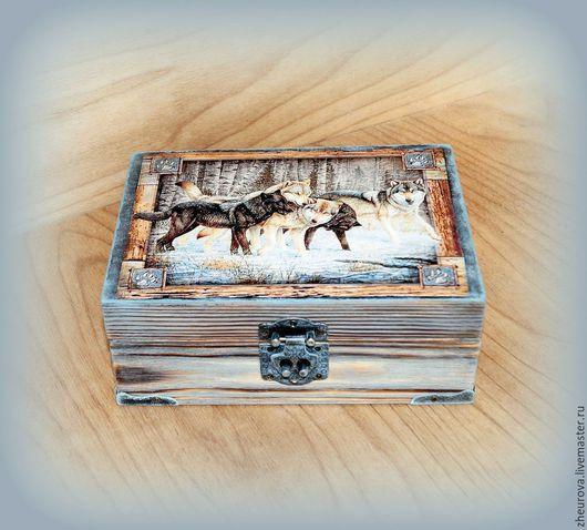 """Шкатулки ручной работы. Ярмарка Мастеров - ручная работа. Купить Шкатулка """"Волчья стая"""". Handmade. Шкатулка, волчья стая"""