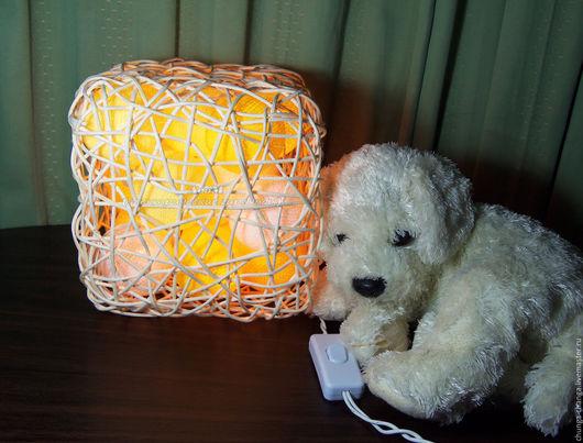 """Освещение ручной работы. Ярмарка Мастеров - ручная работа. Купить Светильник из ротанга """"Кубик"""". Handmade. Желтый, светящиеся шарики"""