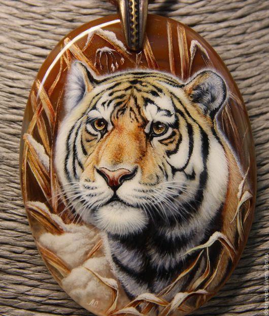 Кулоны, подвески ручной работы. Ярмарка Мастеров - ручная работа. Купить Кулон с тигром (по мотивам работы К. Даньшина).. Handmade.
