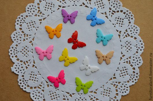 """Шитье ручной работы. Ярмарка Мастеров - ручная работа. Купить Набор пластиковых пуговиц """"Разноцветные бабочки"""", 11 штук. Handmade."""