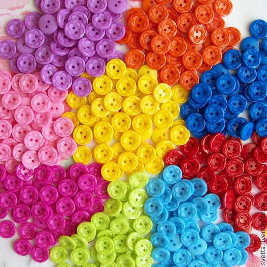 Шитье ручной работы. Ярмарка Мастеров - ручная работа. Купить Разноцветные пуговицы (диаметр 15 мм). Handmade. Пуговица, Пуговки