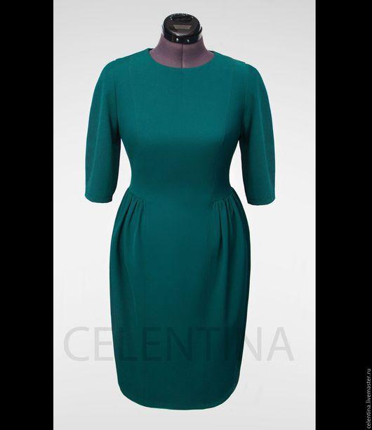 Короткое зеленое повседневное платье