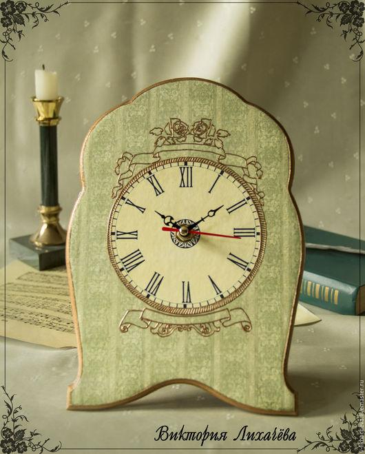 """Часы для дома ручной работы. Ярмарка Мастеров - ручная работа. Купить Настольные часы """"Дебют"""". Handmade. Салатовый, небольшие часы"""