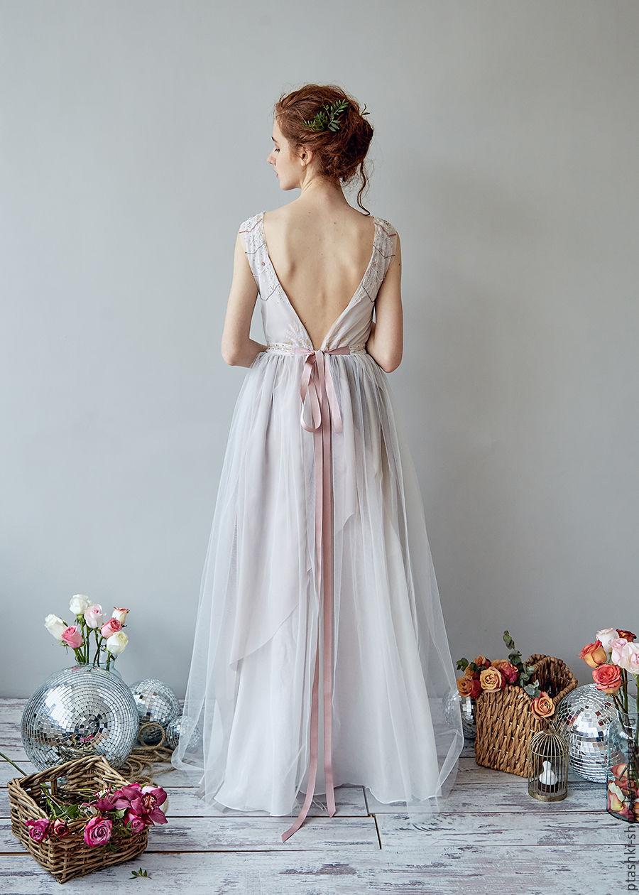 Свадебное платье лепестки