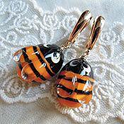 Украшения ручной работы. Ярмарка Мастеров - ручная работа Серьги Пчелки Bee happy лэмпворк, позолота. Handmade.