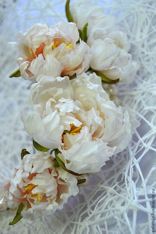 Заколки ручной работы. Ярмарка Мастеров - ручная работа. Купить Цветы из шелка.Шпилька Пион. Handmade. Бежевый, шпилька для невесты