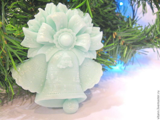 """Мыло ручной работы. Ярмарка Мастеров - ручная работа. Купить """"Рождественский колокольчик"""". Handmade. Мыло сувенирное, мыло на новый год"""