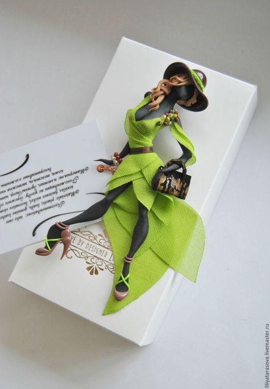 """Броши ручной работы. Ярмарка Мастеров - ручная работа. Купить брошь """"Павлина"""". Handmade. Зеленый, модный аксессуар, бусины"""