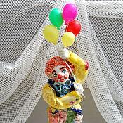 Для дома и интерьера handmade. Livemaster - original item Clown flying on balloons.Figurine porcelain.. Handmade.