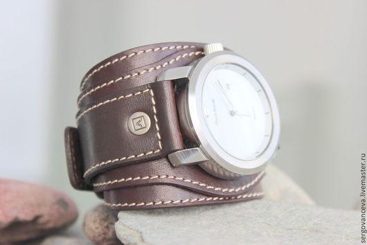 """Часы ручной работы. Ярмарка Мастеров - ручная работа. Купить Часы на широком кожаном ремешке """"В подарок"""". Handmade. Коричневый"""