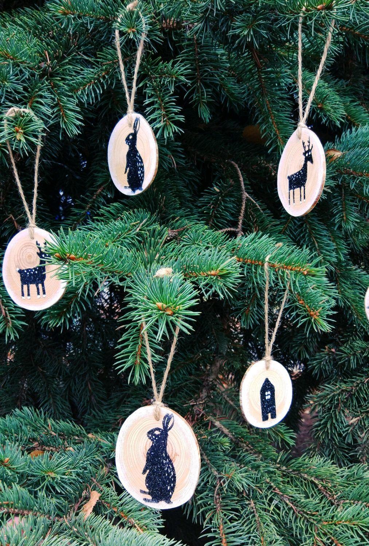 ... New Year 2019 handmade. Christmas decorations on a pine cut down, Skandi New year ...