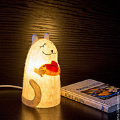 """Для дома и интерьера ручной работы. Ярмарка Мастеров - ручная работа Войлочный светильник """"Кот, приносящий удачу"""". Handmade."""