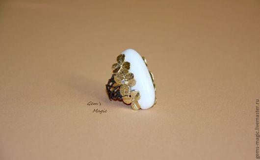 """Кольца ручной работы. Ярмарка Мастеров - ручная работа. Купить Кольцо """"Сказочные цветы""""-опал. Handmade. Белый, кольцо с цветком"""
