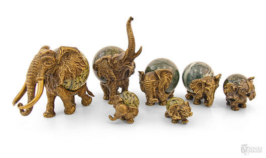 """Статуэтки ручной работы. Ярмарка Мастеров - ручная работа. Купить Композиция """"Слоны"""" с шарами. Handmade. Слоны, слоники, статуэтка"""